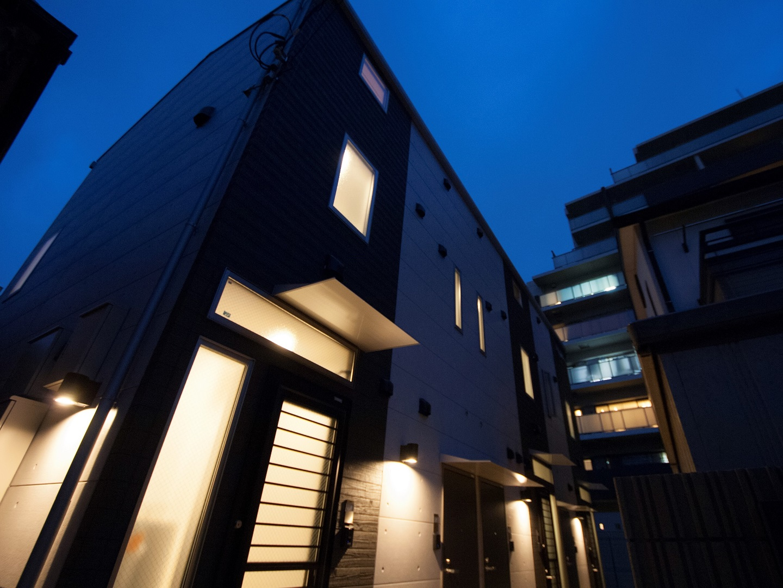 I-AREAのアパートメント・夜のイメージ